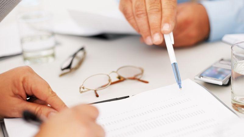 Порядок расторжения договора дарения квартиры и судебная практика по отмене таких сделок